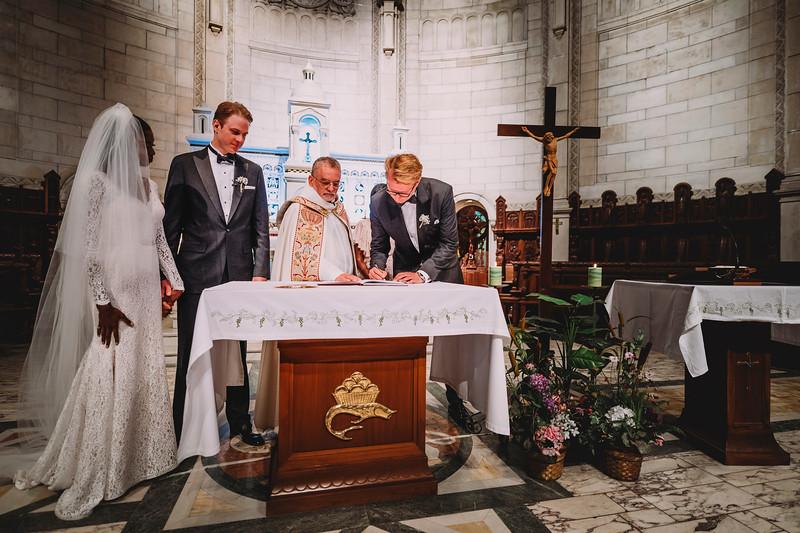 Montreal Wedding Photographer | Wedding Photography + Videography | Ritz Carlton Montreal | Lindsay Muciy Photography Video |2018_574.jpg