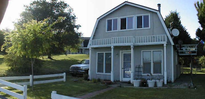 housefront_l_001.jpg