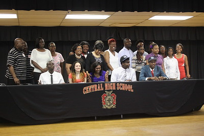 2015 CHS Signings