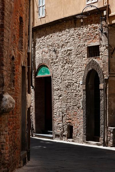 Lucca Street Scene