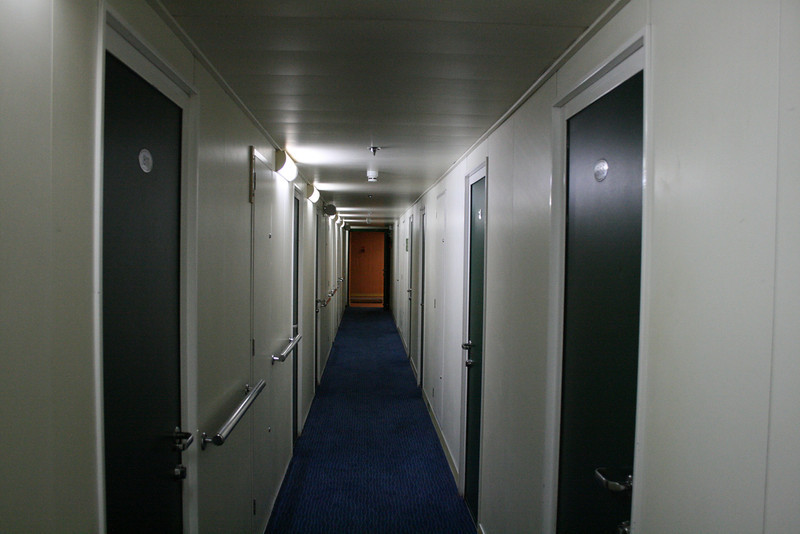 2010 - On board F/B IONIAN SKY : cabin corridor, deck 7.