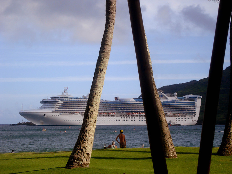Cruise ship leaving the Naiwiliwili harbor on Kauai to visit other of the Hawaiian Islands.