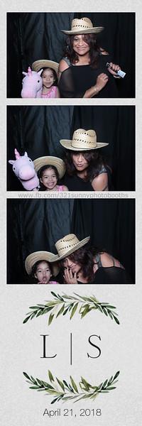 ELP0421 Lauren & Stephen wedding photobooth 64.jpg