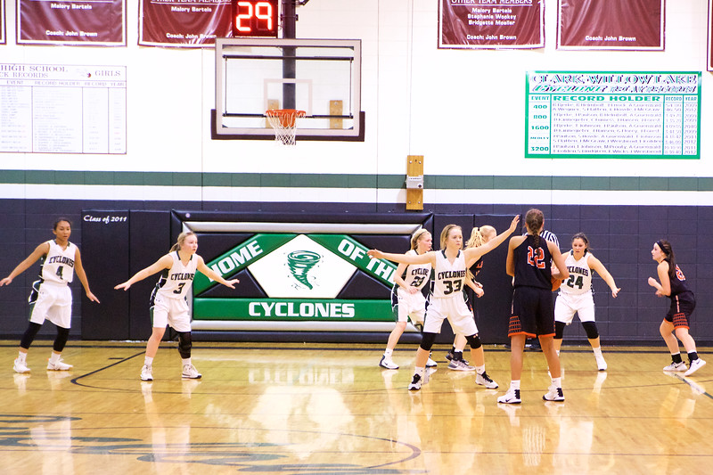 '17 Cyclones Girls Basketball 75.jpg