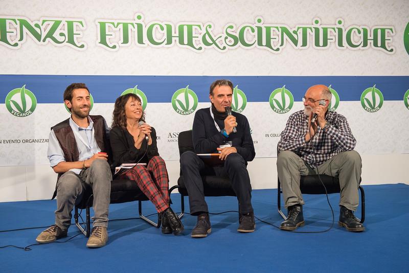 lucca-veganfest-conferenze-e-piazzetta_3_020.jpg