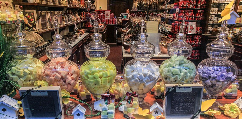Nice idea for a candy shop display.