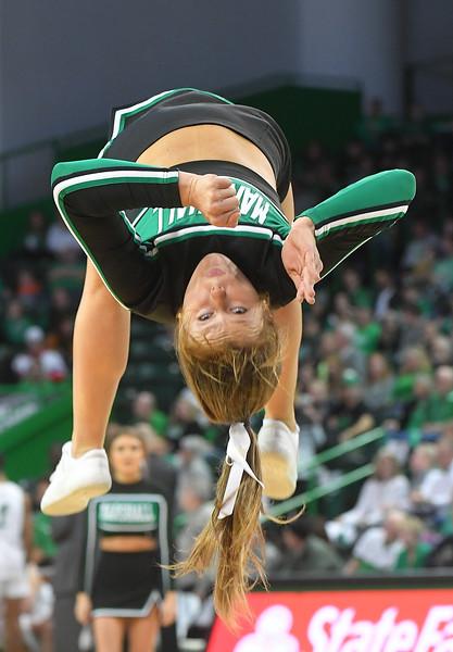 cheerleaders1649.jpg