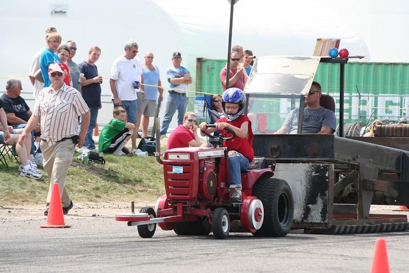 St. Paul Park tractor pull 2013 030.JPG