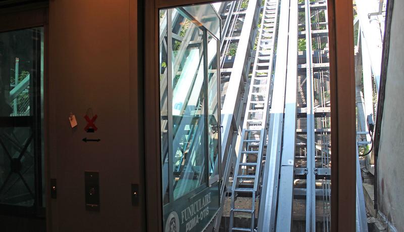 QuebecCity-Funicular02.JPG