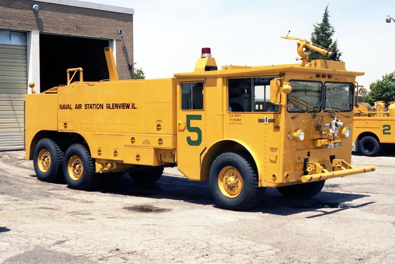 GLENVIEW NAS  CFR 5  1971 OSHKOSH M-1500  1250-1500-180F.jpg