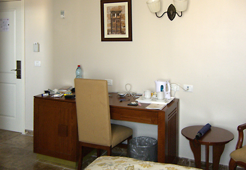 8-Colony Hotel room