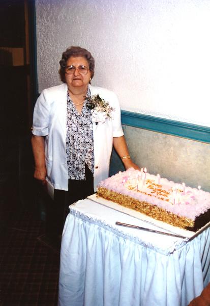 Aunt Gen 1995.jpg