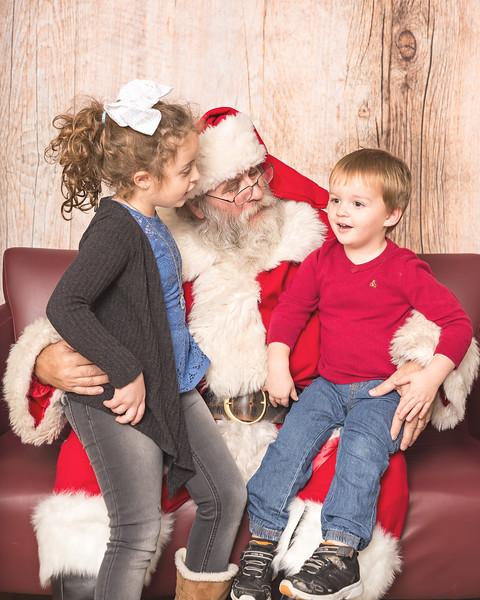 Ameriprise-Santa-Visit-181202-4906.jpg