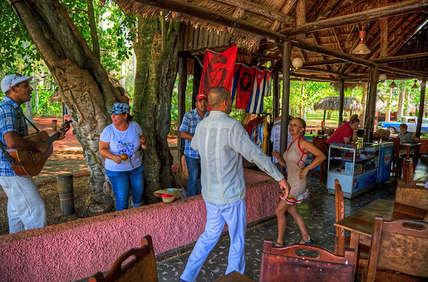 Roadside stop: El Oasis between Camaguey and Ciegos