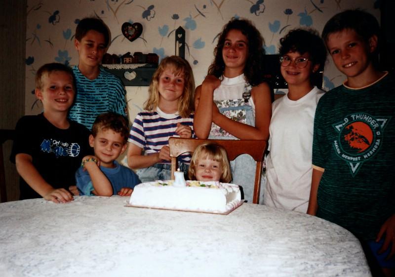 1991_Spring_Orlando_Amelia_birthday_some_TN_0023_a.jpg
