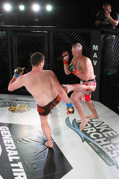 Jordan Berg vs Josh Sinnott
