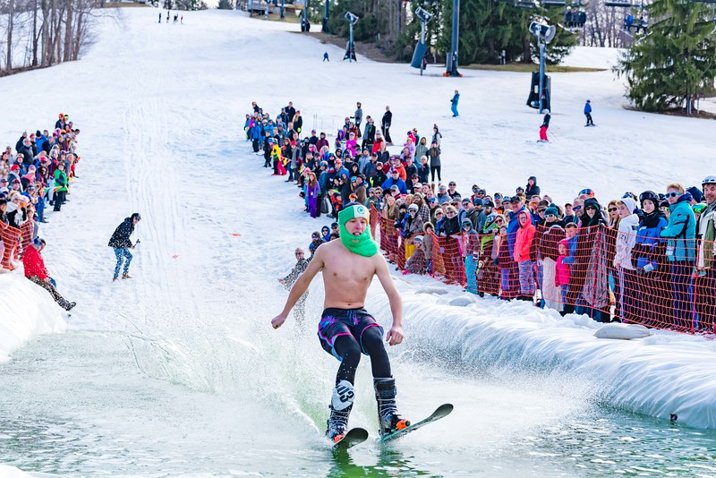 Carnival-Sunday-57th-2018_Snow-Trails-8024.jpg