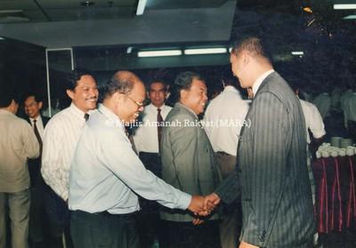 1994 - JAMUAN HARI RAYA BERSAMA PENGERUSI MARA