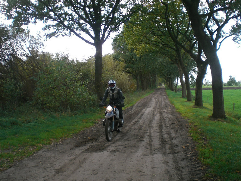 Dutch rider Els must have the off road bug - she's traded her R1200GS for an HP2 :-)