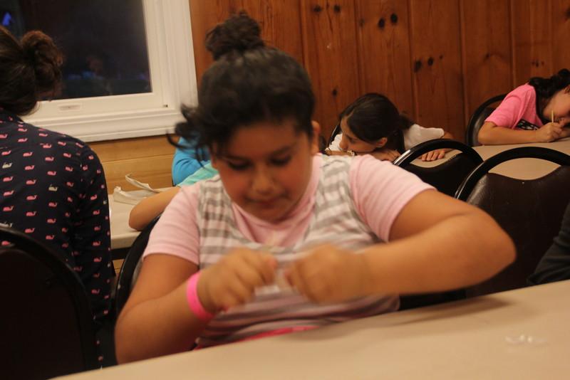 kars4kids_thezone_camp_girlsDivsion_activities_ArtN'Crafts (15).JPG