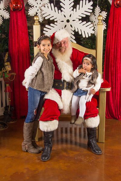 Santa 12-16-17-276.jpg