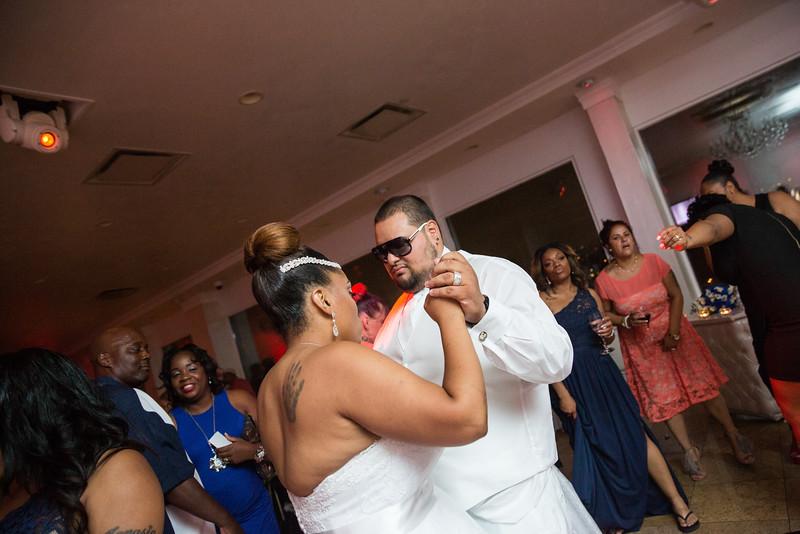 MER__1077_tonya_josh_new jerrsey wedding photography.jpg