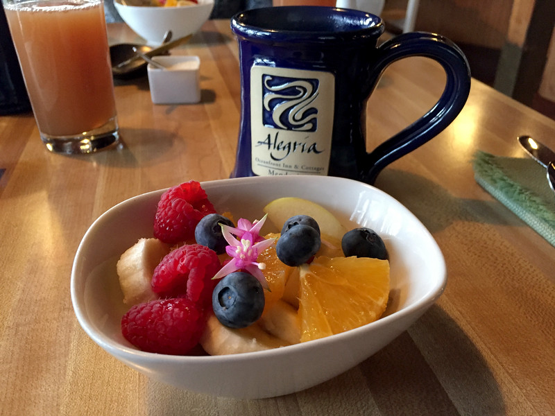 breakfast at alegria.jpg