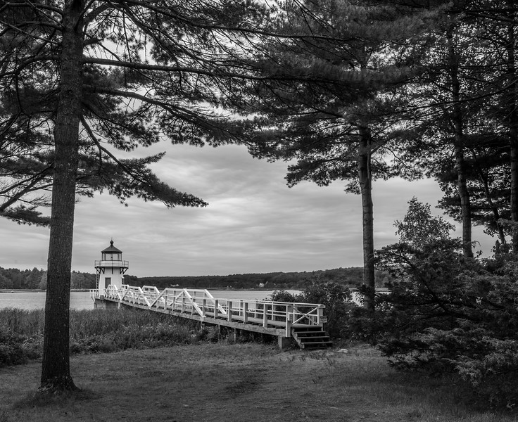 Doubling Point Lighthouse - black & white