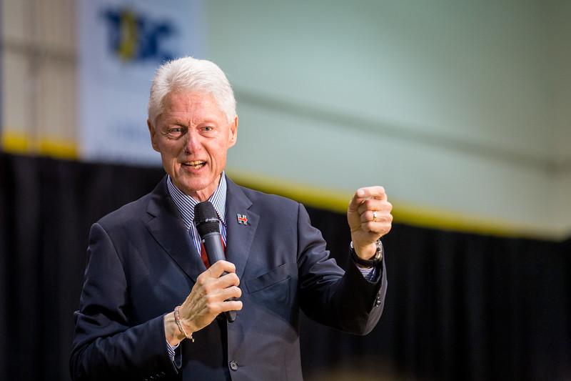 President Bill Clinton @ TCNJ 5-13-2016-44.jpg