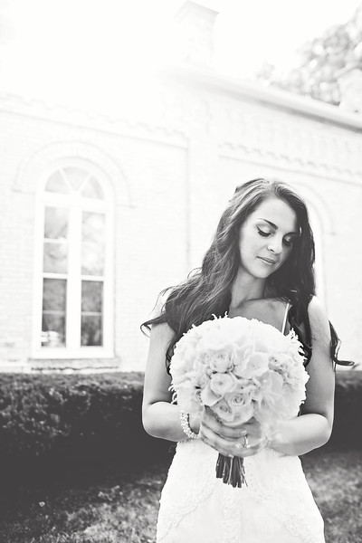 Le Cape Weddings - Megan and Yoav - Wisconsin photographer - Bride Portraits 14.jpg