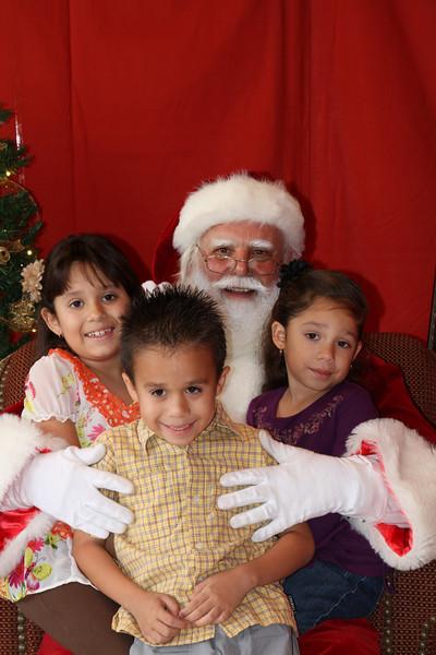 Santa Clause 27NOV2010-147.JPG