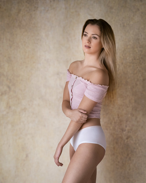 Anna MacDonald - dancer and gymnast
