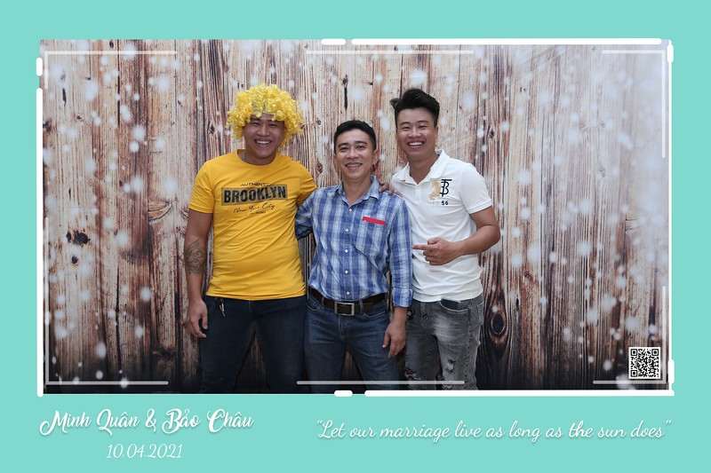 QC-wedding-instant-print-photobooth-Chup-hinh-lay-lien-in-anh-lay-ngay-Tiec-cuoi-WefieBox-Photobooth-Vietnam-cho-thue-photo-booth-051.jpg