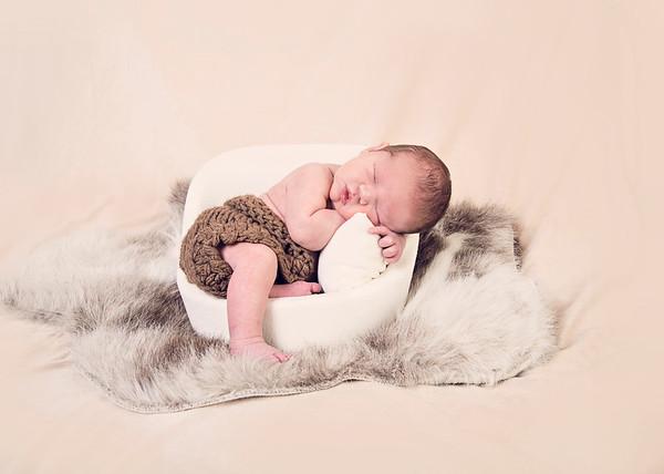 Eli Newborn 2020