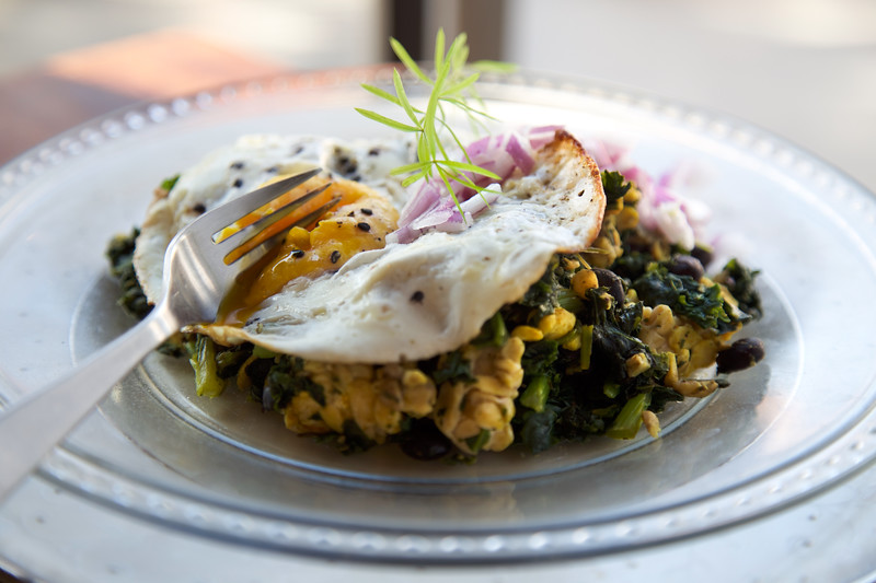 egg over tempeh and kale-1.jpg