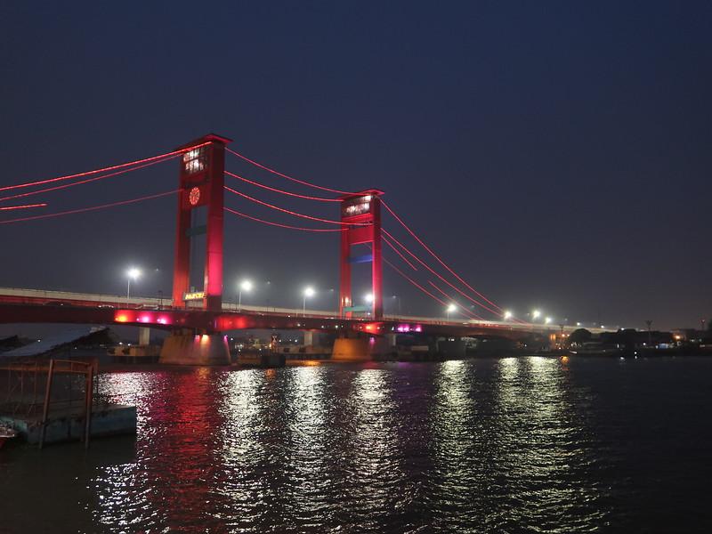 IMG_2771-bridge-at-night.JPG