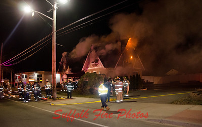 Mastic  Commercial Fire at Manor House [2.5.17]