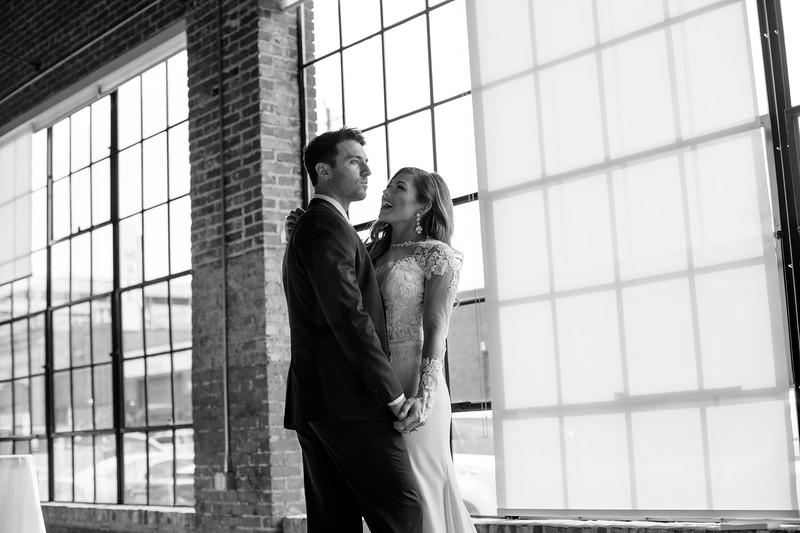 Kate&Josh_B&W_ZACH.WATHEN.PHOTOGRAPHER-316.jpg