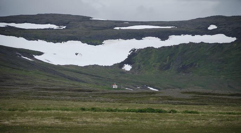 Horft inn Staðardal. Prestbústaðurinn á Stað.
