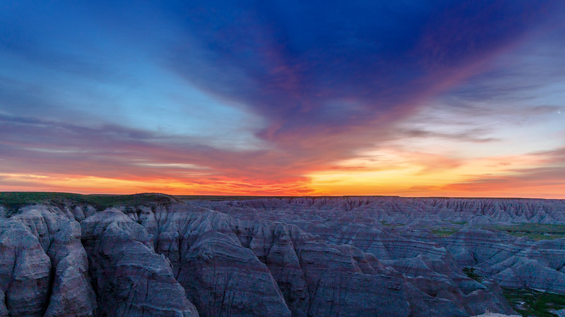 Sunrise at BIg Badlands Overlook 5856-.jpg