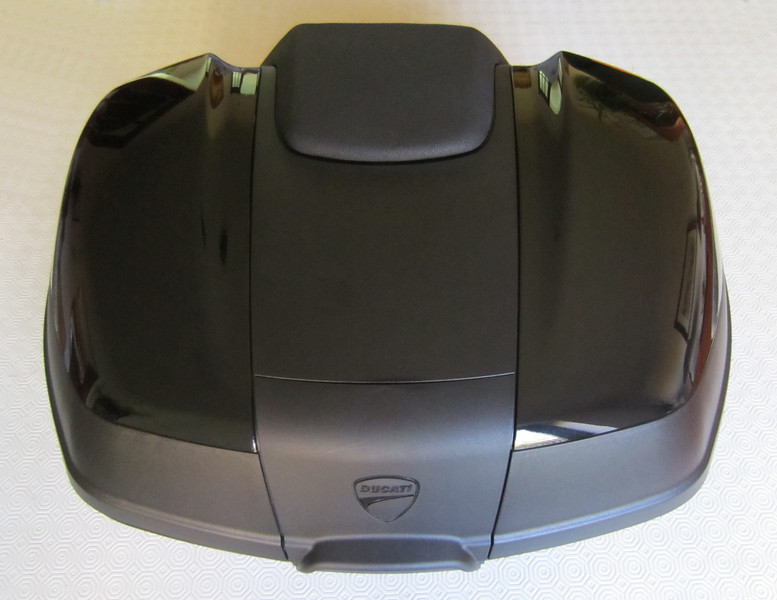 1/8: Ducati (Givi) Top Case (Top Box / Topcase / Topbox) for the Multistrada 1200 See here for installation instructions (inc fitting the lock barrel): Multistrada 1200 Downloads - Misc Instructions & Other Documents