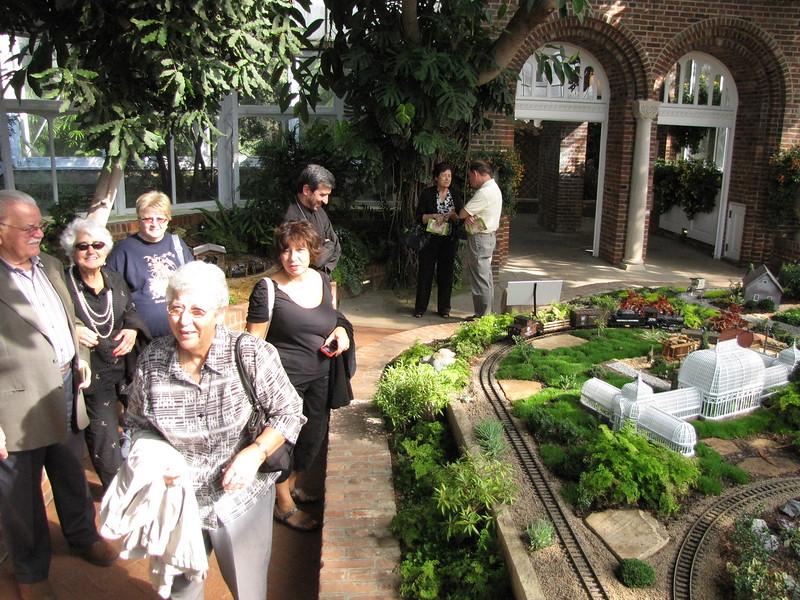 2012-10-25-Seniors-Phipps-Trip_018.JPG