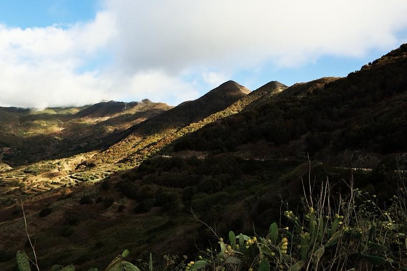 Hřeben pohoří Teno ze severu