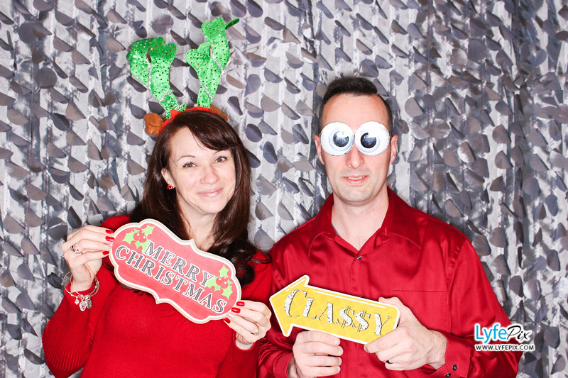 red-hawk-2017-holiday-party-beltsville-maryland-sheraton-photo-booth-0040.jpg