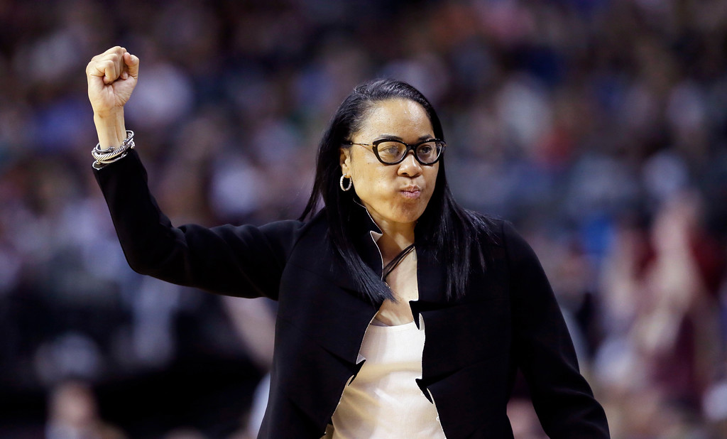 . South Carolina head coach Dawn Staley signals toher players during the first half against Mississippi State in the final of NCAA women\'s Final Four college basketball tournament, Sunday, April 2, 2017, in Dallas. (AP Photo/Tony Gutierrez)