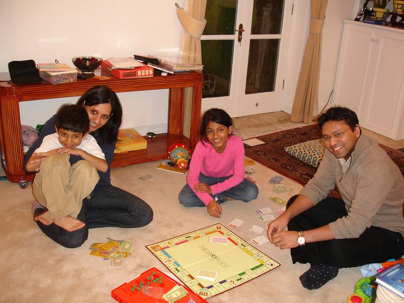 swati and kids in London 2008 113.JPG