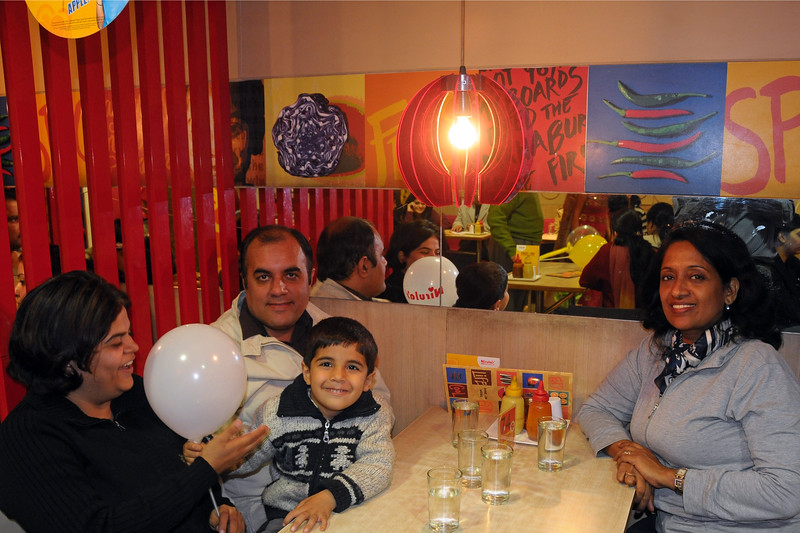 Anu & I (Suchit) had dinner at Nirulas at CP, New Delhi with Sachine, Rakhi & Varun Seth