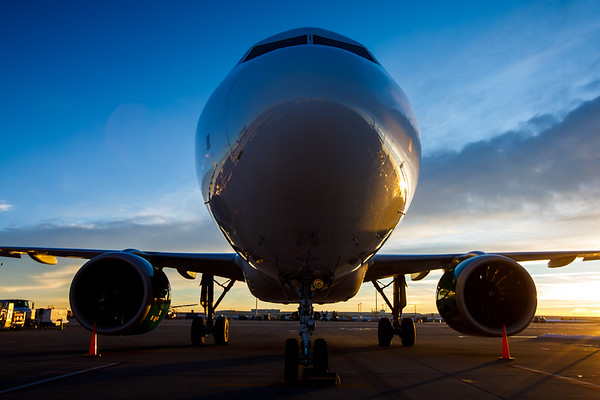 Planes - Taxiing/Parked at Gate