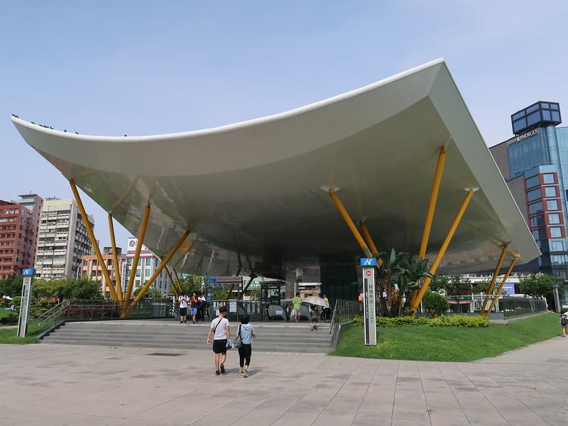 IMG_9969-central-park-station.JPG