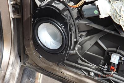 2009 Dodge Ram 1500 Crew Cab Front Door Speaker Installation - USA